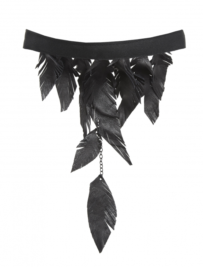 Pitour: Halsband mit Lederfedern | necklace with leather feathers