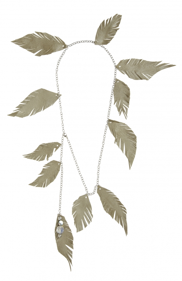Pitour: Halskette mit Lederfedern | necklace with leather feathers